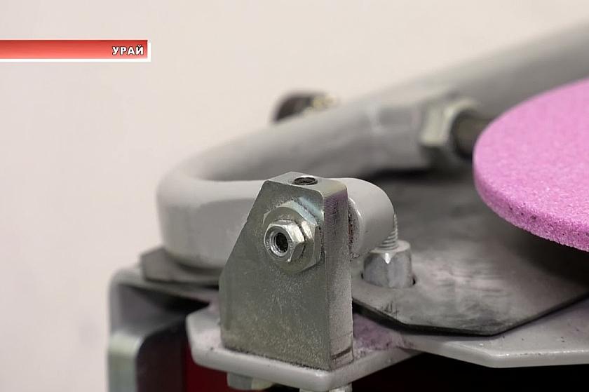 В ледовой «Арене Урая» появилось новое оборудование для заточки коньков